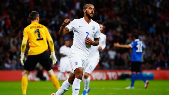Англия продължава без грешка и без да се напряга (видео)