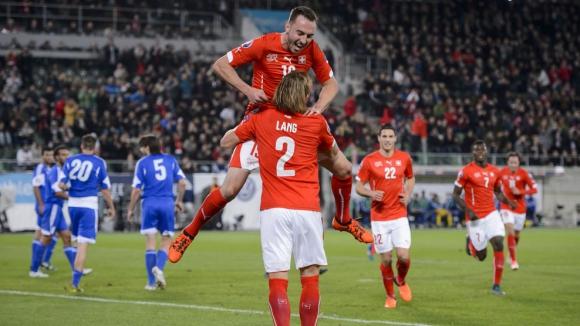 Швейцария е на еврофиналите след наказателна акция над Сан Марино (видео)