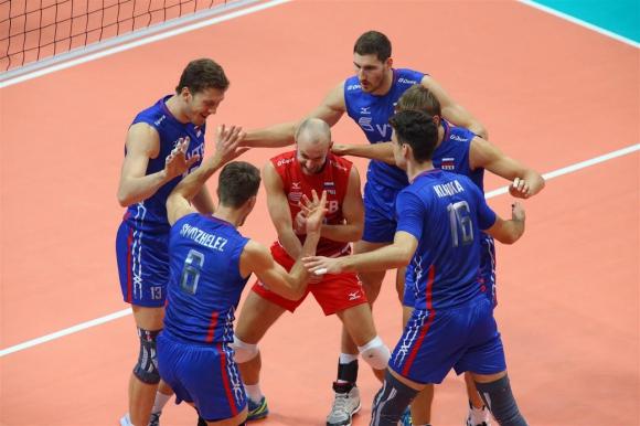 Русия разгроми Словакия с 3:0 и продължава напред на Евро 2015 (СНИМКИ)