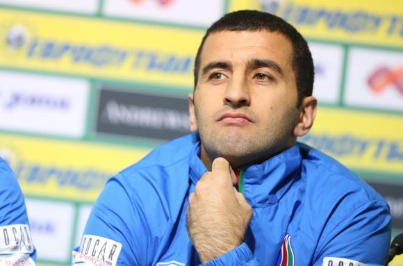 Азерите се точат за победа в София
