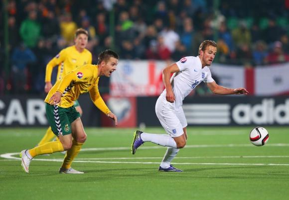 УЕФА разследва Литва - Англия