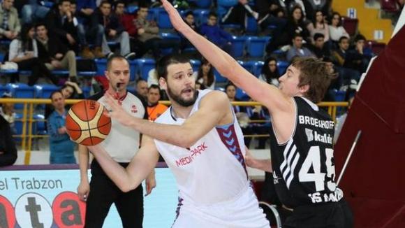 Калоян Иванов блести при победа на Тофаш