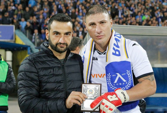 Феновете на Левски избраха Йоргачевич за №1 през септември (видео)