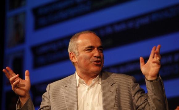 Комисията по етика на ФИДЕ отстрани за две години от всякаква дейност Гари Каспаров