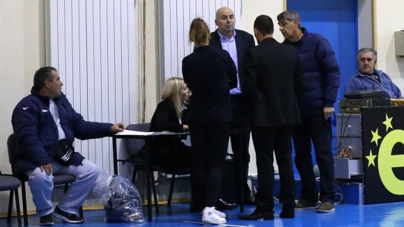 Левски загуби заради липсващ лекар (галерия)
