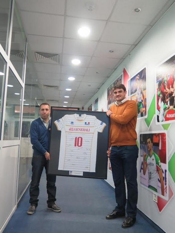 Иван Зарев със специално дарение за благотворителен търг
