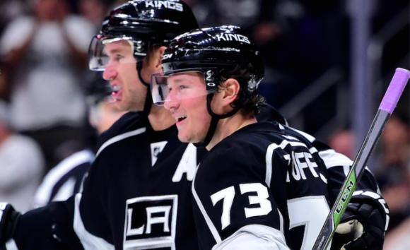 Лос Анджелис със седма поредна победа в НХЛ