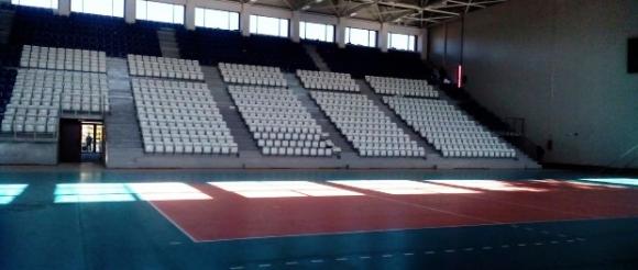 Продължава работата в спортната зала на Дупница