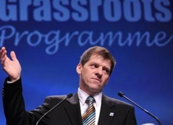 Вили Хинк ще изнесе лекция за управлението на непрофесионалните клубове