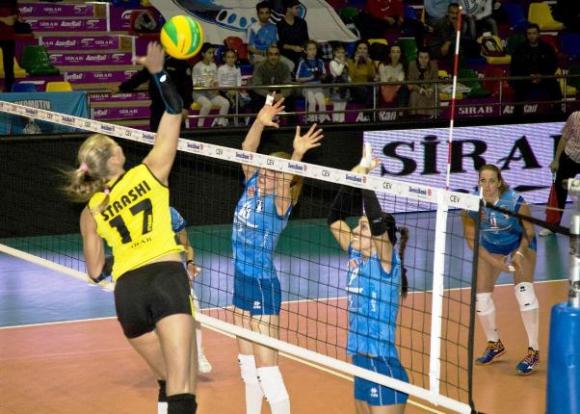 Страши Филипова и Азеррайл загубиха дербито на Азербайджан в ШЛ