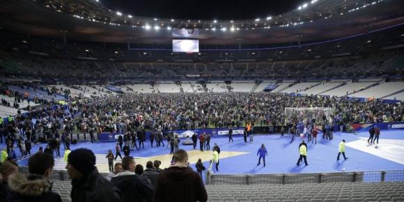 """Ужасът е пълен: Има жертви на """"Стад дьо Франс"""""""