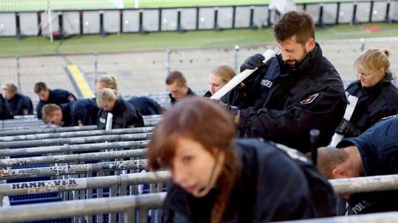 Полицията в Хановер приключва с огледа