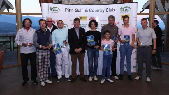 Раян и Денис Стайкови победиха отбора на Президента  в Пирин Голф и Кънтри Клуб