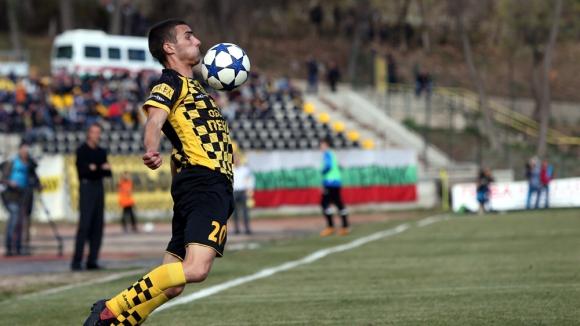 Миньор (Пк): Може да се наложи ЦСКА да играе в кална нива