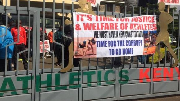 Кенийски състезатели атакуваха местната атлетическа федерация