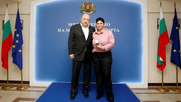 Красен Кралев награди световната шампионка Стела Енева