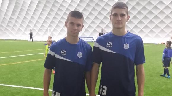 """""""Сини"""" юноши впечатлиха Шефилд Уензди"""