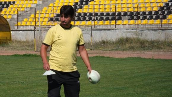 Миньор пуска юноша срещу ЦСКА