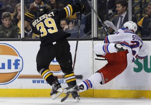 Победи за Бостън и Чикаго в дербитата на кръга в НХЛ
