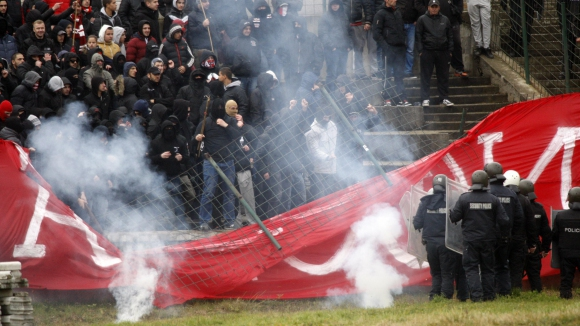 ЦСКА се размина само с предупреждение за лишаване от домакинство