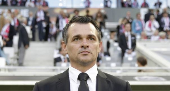 Вили Саньол остава начело на Бордо