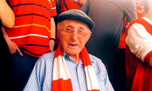 Арсенал загуби един от най-възрастните си привърженици