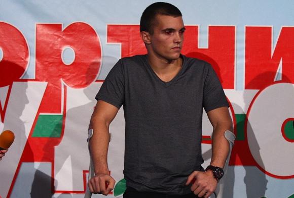 Алберт Попов: Искам да забравя случилото се