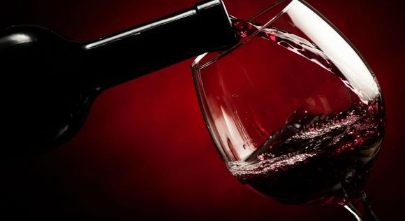 Червено вино снощи пих(ме)