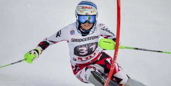 Ева-Мария Брем спечели гиганския слалом в Куршевел