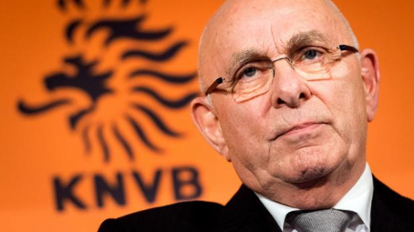 Шефът на холандския футбол може да се кандидатира за шеф на УЕФА