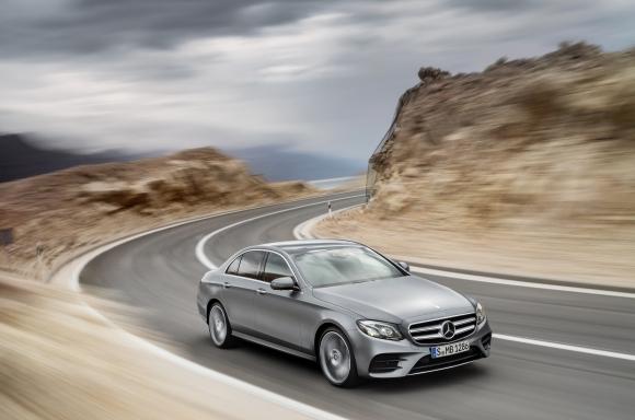 Mercedes: E-Class e най-интелигентната бизнес лимузина