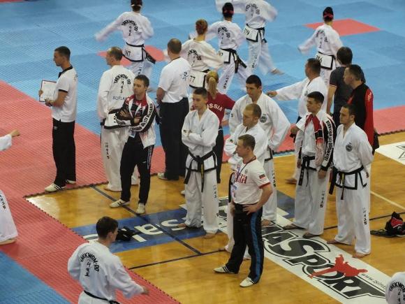 Националите по Таекуон-до ITF се завърнаха след успешно представяне на европейското