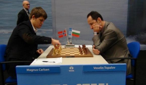 Топалов завърши реми с Магнус Карлсен