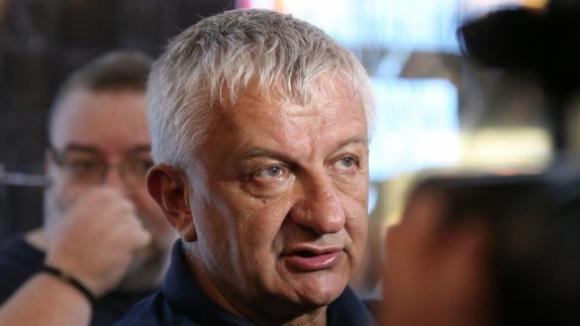 Крушарски: Чакам футболистите да ме зарадват с победа