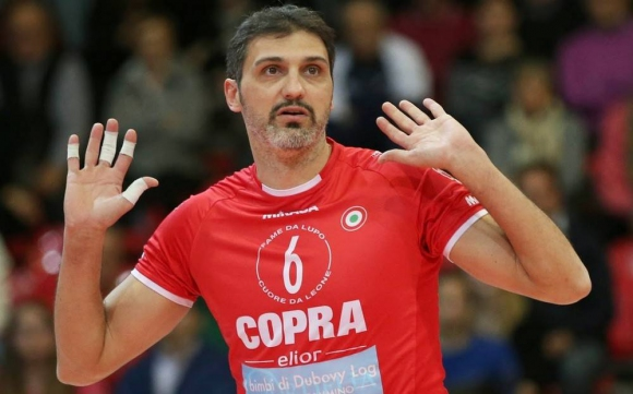 """Старци"" играят волейбол и то много добре! Папи, Стефанов, Тетюхин, Златанов и кои още?"