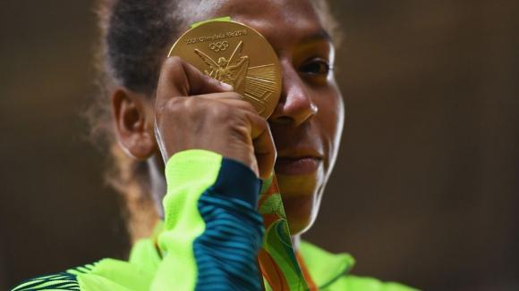 От тежкия живот във фавелите до върха на Олимпийския подиум