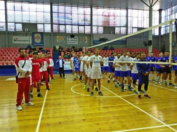 Нефтохимик 2010 загуби от Етникос, Черно море би Арда на турнира във Варна