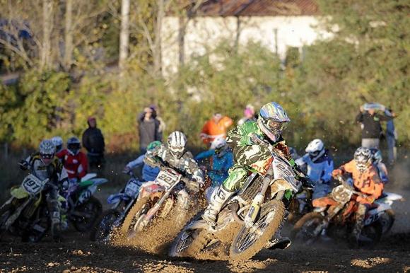 С оспорвани времена завършиха квалификациите за Гран При България по мотокрос в Троян