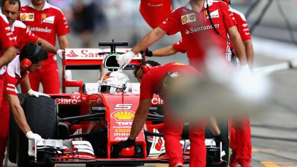 Фетел вини деградацията на гумите, не стратегията на Ферари
