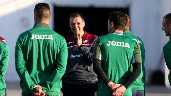 Треньорът на Швеция ще преспи няколко пъти преди да реши състава за мача с България