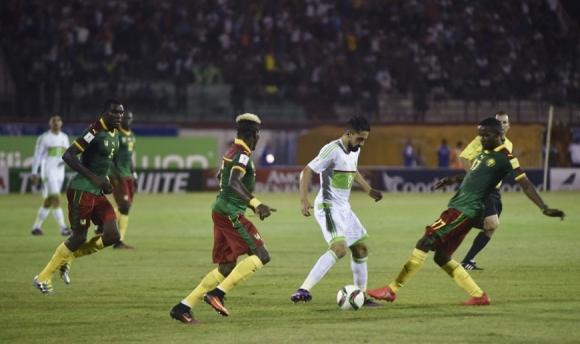 Алжир и Камерун поделиха по точка