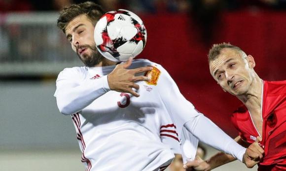 Пике: Омръзна ми, феновете убиха радостта ми да играя за Испания
