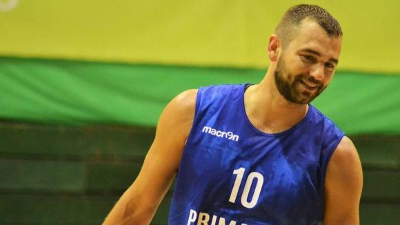 Маринов наказа бившия си отбор в Румъния