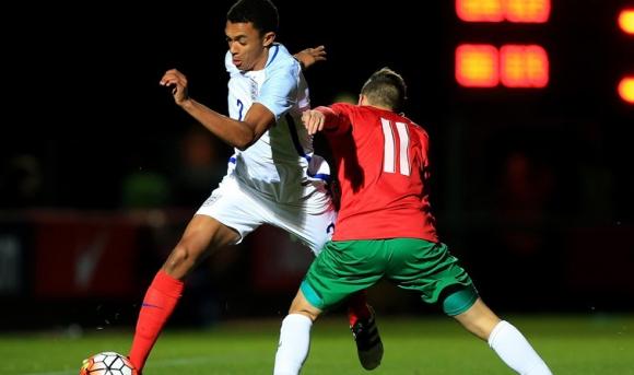 Юношите загубиха от Англия в последната минута