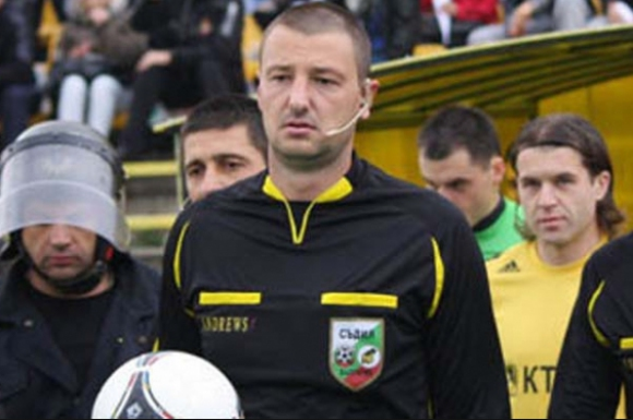 Спряха правата на един от най-елитните футболни рефери