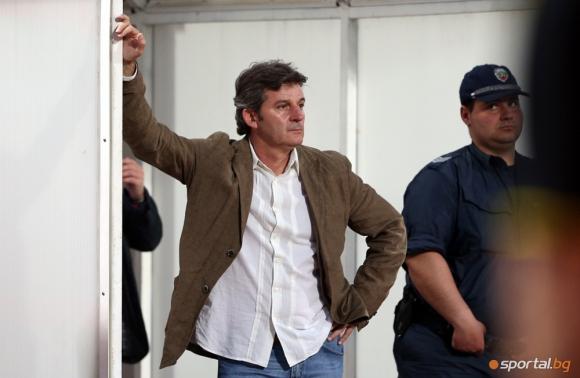 Емил Костадинов: Във футбола ни влязоха хора, които мислеха само за печалбарство
