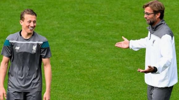 Интер преговаря с Ливърпул за Лейва