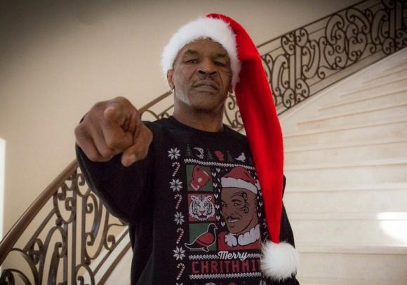 Боксовият Дядо Коледа!