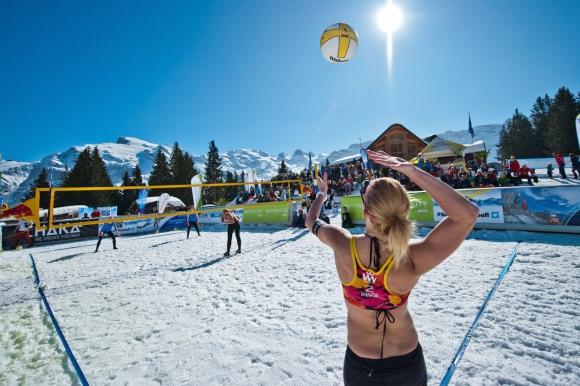 ФИВБ признава снежния волейбол