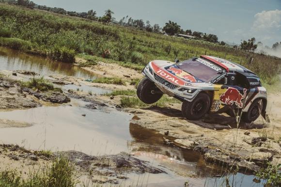 С какви впечатления останаха фаворитите от Peugeot след старта на Дакар